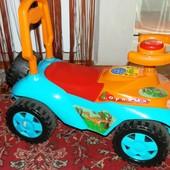 Детская машинка-каталка толокар с багажником для игрушек для 1-3 лет