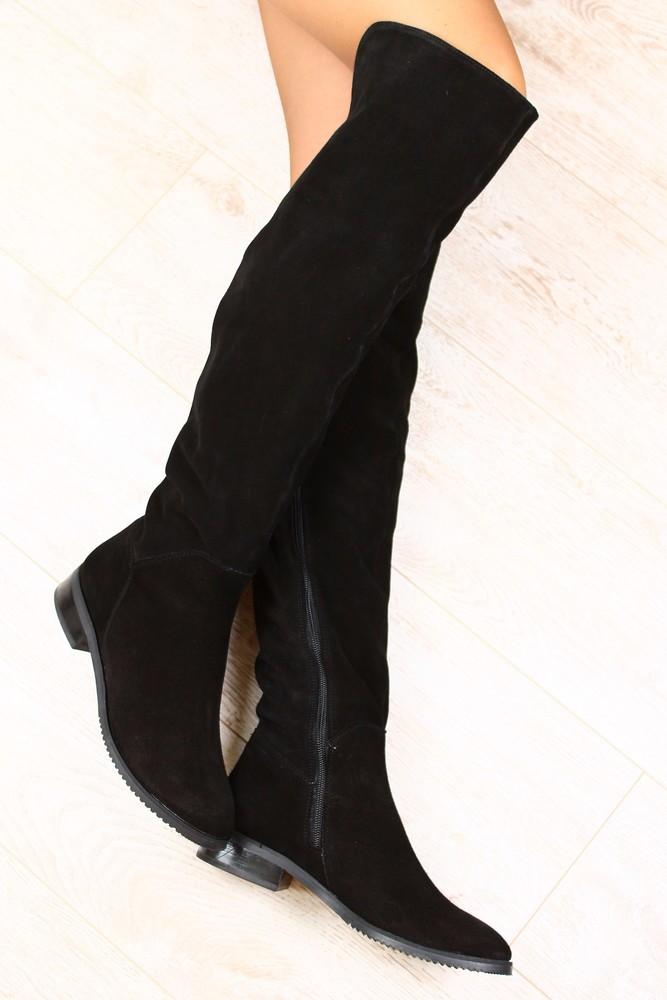 Замшевые сапоги ботфорты на низком каблуке
