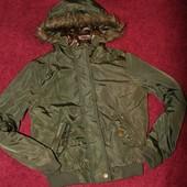 Осенне-весенняя куртка  на 10-11 лет