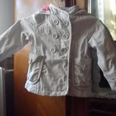 Нежное осеннее пальто с капюшоном на 2-3 года