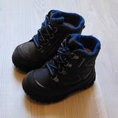 Стильные демисезонные ботинки для мальчика. Внутри утеплены флисом. Gore-Tex. Размер 20