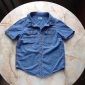 Джинсовая рубашка фирмы F&F на возраст 4-5 лет