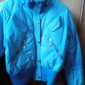 Распродажа Курточка пуховая,идёт на S-L, в отличном состоянии
