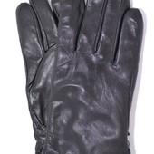 Мужские кожаные перчатки на белом меху.