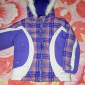 красивая теплая куртка 4-5,5 лет