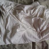 Простыня на резинке в детскую кроватку в хорошем состоянии