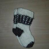 Шерстяные носочки, дл. от сред пяточки до конца носочка 12 см. Состояние отличное