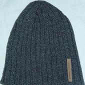 Классная фирменная шапка крупной вязки,на небольшую голову