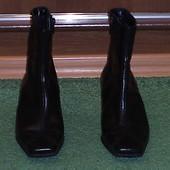 Чоботи короткі Janet D розмір 36 стелька 24,5 см