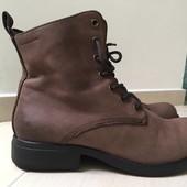 продам кожаные ботинки Vagabond