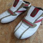 Фирменные кроссовки  Memphis-размер 43-длина стельки-28,5 см