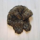 Тёплая меховая шапка. Модель унисекс. Внутри синтапон. Зима. Размер 4-6 лет. Состояние: новой вещи.