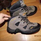 і162)фирменные кожаные ботинки 40-41 UK 7,5 Salomon Gore-Tex