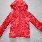р. 152-158, демисезонная куртка на девочку-подростка