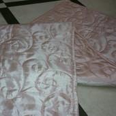 красивое стеганное одеяльце (плед)