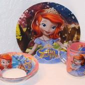 Красочные наборы детской посуды с любимыми персонажами