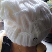 шапка теплая белая фирменая
