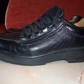 Кожаные фирменные мужские туфли 40 р кожа везде