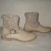 39 р./ 25.5 см фирменные демисезонные ботиночки Graceland