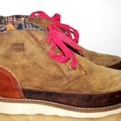 фирменные кожаные ботинки 25,3 см