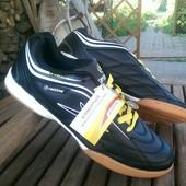 Кроссы для футзала Restime 41-45, черные, желтая шнуровка
