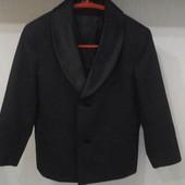Очень нарядный классический костюм-смокинг 116