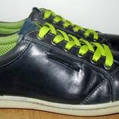 кожаные кроссовки 25.6 см