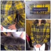 Обалденная тёпленькая курточка Trussardi