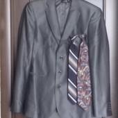 Мужской костюм с отливом французский дизайн 182/50