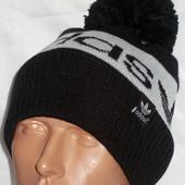 Вязаная двойная шапочка на флисе  с помпоном и отворотом