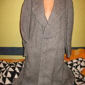 Элегантное шерстяное пальто,мужское двубортное,р.54-56.Англия.Состояние отличное.Нюанс.