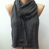 Фирменный шарф Guess, Италия