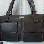 Вместительная женская сумка.