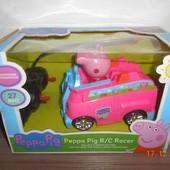 Машина на р/у Свинка Пеппа, резиновые колеса, фигурка, на батарейке, размер машинки 14,5 х 9 х 13 см