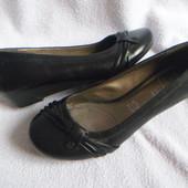 M&S Footglove кожаные новые туфли 36