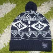 Теплая мужская шапка O'stin, как новая.