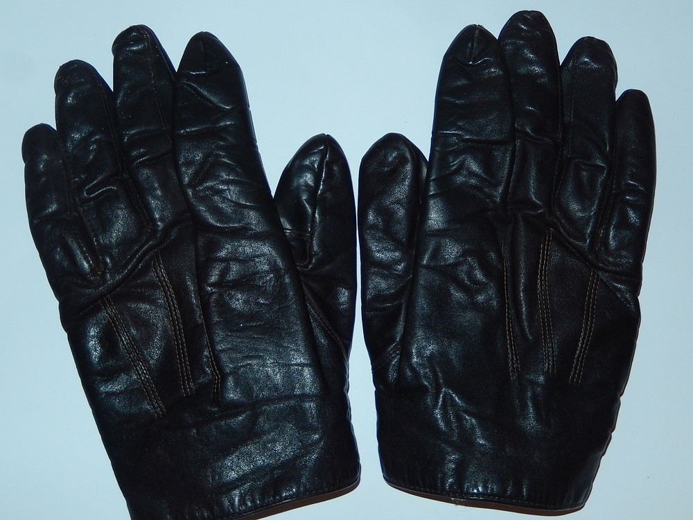 Мужские кожаные перчатки,на небольшую мужскую руку,ориентировочно 9-9,5 р-р фото №1