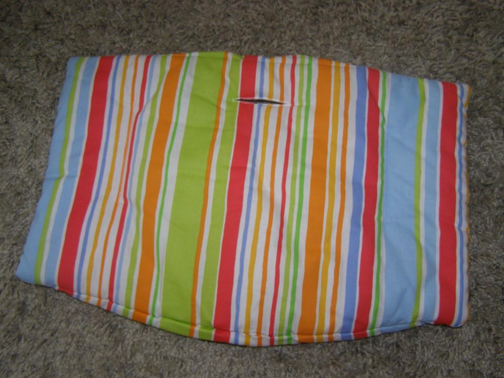 Новая подушка для стульчика Stokke  цвет: Художественная полоска. Нижняя подушка фото №1