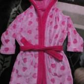 Махровый халат в сердечках девочке на 2-3года Tu