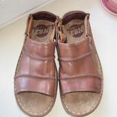Кожаные сандалии N82     44 р