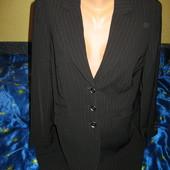Пиджак чёрный в тонкую белую полоску,р.50-52.