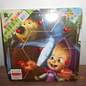 Деревянная игрушка Рамка-вкладыш с ручкой, Маша и Медведь, 7 деталей