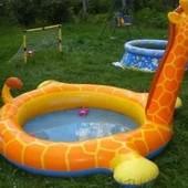 продам дитячий басейн жирафу