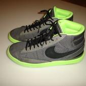 Кроссовки Nike, оригинал, р 42,5 , стелька  27 см, в идеале очень легкие