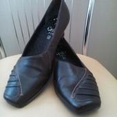 Кожаные симпатичные немецкие туфли Caprice, 37,5 p.