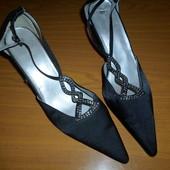 Нарядные туфли размер 40
