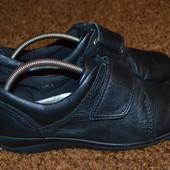 Закрытые туфли 37 р. 23.8 см