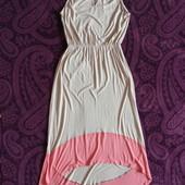 Красивое модное фирменное платье