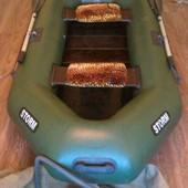 Резиновая, надувная лодка. Шторм st - 260 в отличном состоянии.