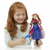 Игровой набор Frozen Волшебный наряд Анны